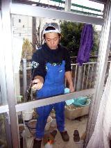 ガラス磨きは簡単そうで、かなり難しい仕事という