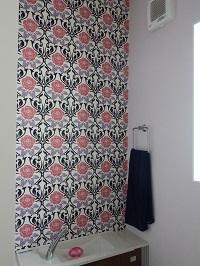トイレのクロス。斬新な壁紙がおしゃれ