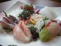 """""""割き8年、串打ち3年、焼き一生""""と言われる、鰻の世界。まだまだ、これからと重剛さん。今後は天ぷら、お刺身等を充実、お酒と料理をゆったり楽しんでもらいたいという"""