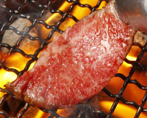 美味しい肉は間違いなく、人を幸せにする